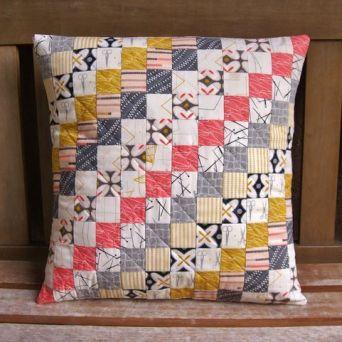 http://fabricmutt.blogspot.com.au/2015/03/maker-pillow.html