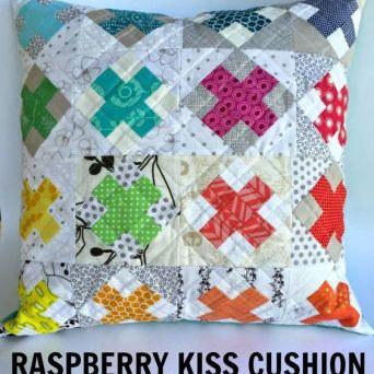 http://sewdelicious.com.au/2015/02/raspberry-kiss-cushion.html