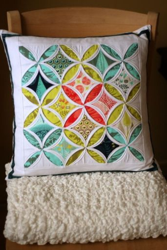 http://www.ragamuffin-baby.com/2012/03/prince-charming-cathedral-window-pillow.html